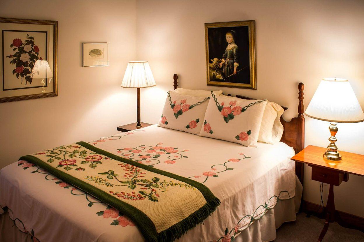 Dha city karachi guest room